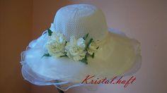 kapelusz z kwiatami z foamirana
