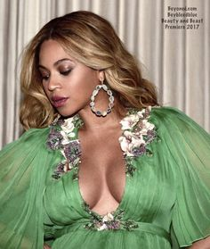 "3,408 Likes, 7 Comments - Beyoncé (@beybleedblue) on Instagram: ""😻😻😻🙌🏾🙌🏾#bgkc #baddiebey #beyhive #beyonce #giselle #knowles #carter #queen #queenofpop…"""