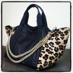 Realizziamo borse e accessori per donne alla moda che amano potersi prendere cura di se stesse-www.giannottibags.it