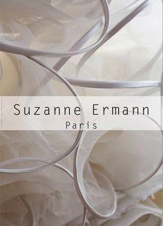 Les Volutes By Suzanne Ermann ! Les robes et accessoires à volutes signent l'élégance contemporaine de la créatrice. Suzanne-ermann.com