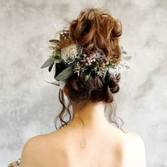 ナチュラルで可愛いブーケ、花冠、ショルダーブーケ、リストレットなど、フラワーアイテム満載です‼︎オンラインショップ、シュシュフルールchouchou fleur~幸せを永遠に飾れる花~ Dress Hairstyles, Crown Hairstyles, Cute Hairstyles, Wedding Hairstyles, Wedding Hair And Makeup, Bridal Hair, Japan Hairstyle, Curly Hair Styles, Natural Hair Styles