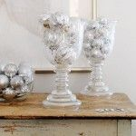 White Chirstmas Decoration Ideas for Rustic Table