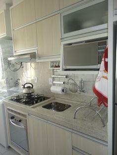 DSC05480 Mini Kitchen, Kitchen Sets, Kitchen Decor, Kitchen Design, Kitchen Cabinets, Kitchen Appliances, Luxury Kitchens, Beautiful Kitchens, Interior Design Living Room