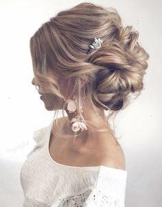Featured Hairstyle: tonyastylist; www.instagram.com\/tonyastylist; Wedding hairstyles ideas.