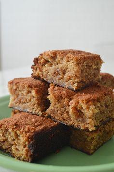 De babar: Arrase no café da tarde com um bolo de banana delicioso e molhadinho!