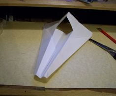 Step No, this is the absolute greatest and easiest to make paper airplane, no. Diy Origami, Origami Tutorial, Diy For Kids, Crafts For Kids, Arts And Crafts, Paper Crafts, Paper Art, Best Paper Plane, Dinosaur Origami