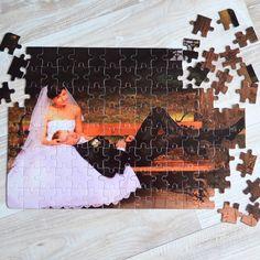 Nincs is annál jobb, mikor egy születésnap vagy névnap alkalmából összejön a család. Ilyenkor a legjobb időtöltés lehet a közös játék. Ajándékozzon egyedi képpel ellátott puzzle-t, melyet akár azonnal közösen ki is próbálhatnak. A fényképes puzzle anyaga karton, mérete 20x29cm és 120db-os.3 év alatti gyerekeknek nem ajánlott! Puzzle, Paper Board, Puzzles, Puzzle Games, Riddles