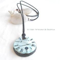 Bonitos collares de autor confeccionados artesanalmente con porcelana. Inspiraciones únicas!  www.eltallerartesanaldebeatrice.com/blog/collares-artesanales-de-autor