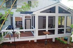 Keep the detail (railing) tying the open deck and closed screened porch together. A small extension off this screened porch contains a captured doorway leading out onto the adjacent deck. Screened Porch Designs, Screened In Deck, Small Screened Porch, Enclosed Porches, Enclosed Decks, Screened Porch Decorating, Back Patio, Backyard Patio, Outdoor Rooms