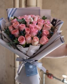 beautiful online ipoh flower shop with wide range of flower selection at an affordable rate. Flower bouquet service, get any beautiful flowers for your loves one at white on white online Ipoh flower shop today! Flowers Bucket, Book Flowers, Dried Flowers, White Flowers, Flower Bouquet Diy, Pink Rose Bouquet, Beautiful Roses Bouquet, How To Wrap Flowers, Luxury Flowers