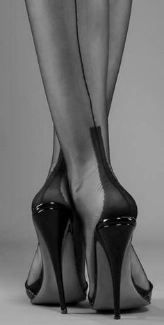 ♥ Lovely Black Seamed Nylons ♥ If women truly understood the excitement seamed stockings create in a man. More would wear them to add a little extra sass and succulence to their lives.