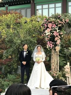 Song Joong Ki and Song Hye Kyo Are Officially A Married Couple Wedding Songs, Wedding Pics, Wedding Couples, Wedding Dresses, Korean Actresses, Korean Actors, Asian Actors, Decendants Of The Sun, Song Joon Ki