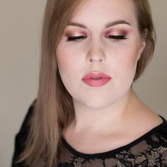Plum and Champagne Halo Eyeshadow Tutorial http://www.rebeccashoresmua.com/blog/plum-and-champagne-halo-eyeshadow-tutorial