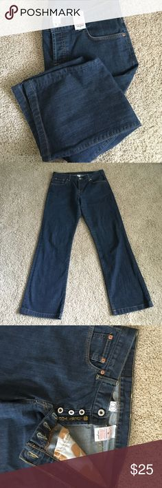 "NWOT Lucky Brand USA Easy Rider D size 8/29 Classic lucky brand easy rider D size 8/29 made in the USA button fly jeans jeans feature three button fly plus one top button.  Two front curved pockets with one small inside pocket (right side) and two angled pockets on the back. 39"" length. Lucky Brand Jeans Straight Leg"