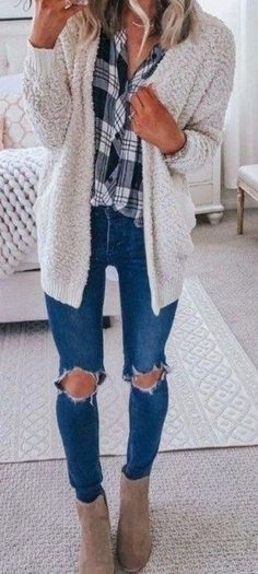 35 Cute Cardigan Outfits to Wear This Season - ClassyStylee Winter Skinny Jeans Outfits, Casual Fall Outfits, Fall Winter Outfits, Autumn Winter Fashion, Winter Style, Cute Cardigan Outfits, Outfit Jeans, Cute Outfits, Cardigan Sweaters
