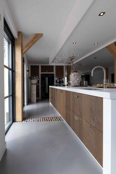 Moderne keuken met PITT Cooking kookplaat   Bunschoten - Van Ginkel Keukens Conference Room, Bathtub, Bathroom, Modern, Table, Furniture, House, Design, Home Decor
