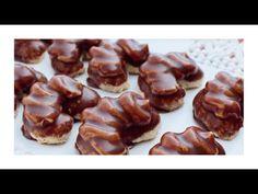 Ořechové rohlíčky s karamelovým krémem / Helenčino pečení - YouTube Cereal, Muffin, Food And Drink, Potatoes, Sweets, Cookies, Breakfast, Christmas, Recipes