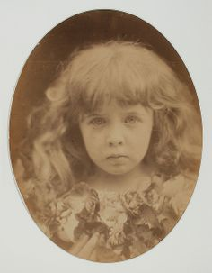 Julia Margaret Cameron Margie Thackeray 1868 Julia Margaret Cameron Photography, Julia Cameron, Head Anatomy, Modern Photographers, Pre Raphaelite, Children Images, Illustrations, Museum Collection, Drawing People