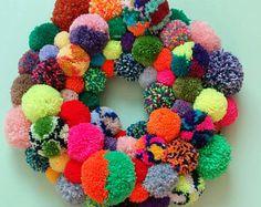Rainbow Pom Pom Wreath – Multicoloured Pompom Wall Hanging – Spring Home Decor – Nursery Decoration – Colourful Photo Prop - Bright Bedroom