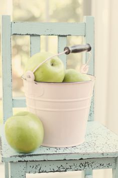 Apples, bucket, chair