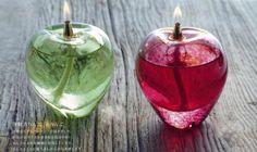 リンゴ型のオイルランプ by 津軽びいどろ