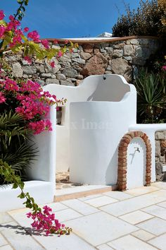 Outdoor shower - so cool All you need is regular sunshine!