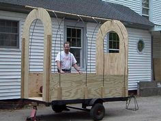 Tiny vardo on the cheap - looks like 5 sheets of ply would make this an easy build . who has the trailer? Gypsy Trailer, Gypsy Caravan, Gypsy Wagon, Small Trailer, Tiny Trailers, Food Trailer, Tiny Camper, Shepherds Hut, Covered Wagon