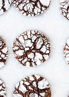 Chocolate Crinkle Cookies - Jo Cooks Chocolate Crinkle Cookies, Chocolate Squares, Chocolate Crinkles, Gluten Free Chocolate, Best Chocolate, Delicious Chocolate, Best Christmas Cookies, Christmas Sweets, Christmas Candy