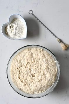 Dough for homemade croissant Croissant Recipe, Croissant Dough, Homemade Croissants, Egg Wash, Vegetarian Chocolate, Tray Bakes, Nutella, Baking, Simple