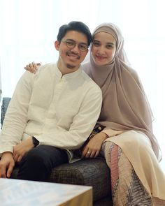 Simple Ootd, Cute Muslim Couples, Ootd Hijab, Antara, I Love Girls, Hijabs, Modest Outfits, Photo Poses, Hijab Fashion