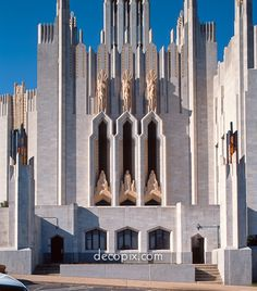 Photos of early, classic Art Deco architecture. The era of the great Art Deco skyscrapers. Classical Architecture, Beautiful Architecture, Art And Architecture, Architecture Details, Layered Architecture, Art Nouveau, Steinmetz, Art Deco Buildings, Chapelle