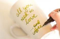 Mug favour method 550x366 Handpainted Mug Diy Wedding Favours