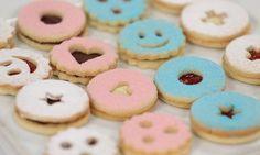 Spitzbuben-Variationen - Rezepte - Schweizer Milch Biscuits, Galletas Cookies, Caramel, Desserts, Ajouter, Food, Vanilla Sugar, Butter, Sweet Recipes