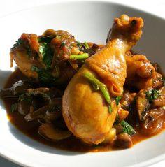 Muslos de pollo al vapor con verduras