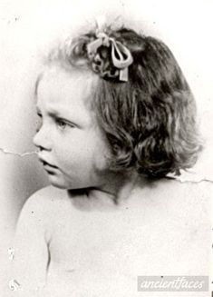 See the genealogy of the family and find photographs of Judith Klein at AncientFaces. View Judith Klein images and more past images and ancestry at AncientFaces. The Lost World, World War Two, Murder Stories, Crime, I Always Love You, Florence Nightingale, Innocent Child, Jewish History, Museum