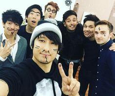Julien Bam mit John Youk, Gong Bao, Vincent Lee, Kaio und ein paar andere