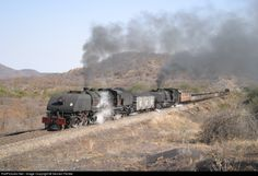 RailPictures.Net Photo: 424 + 416 National Railways of Zimbabwe 4-6-4+4-6-4 at Hwange, Zimbabwe by Sevrien Ferrée