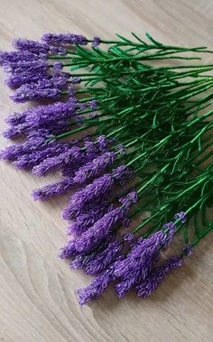 Lavender, French beaded lavender, single stem, artificial flowers, home decor - Flores Seed Bead Flowers, French Beaded Flowers, Wire Flowers, Seed Beads, Beaded Flowers Patterns, Crochet Flowers, Beading Patterns, Jewelry Patterns, Beaded Crafts