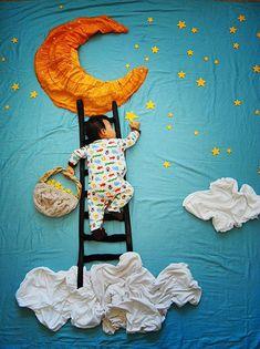 Queenie Liao se toma su tiempo para ilustrar los sueños de su hijo Wengenn. Aprovecha mientras duerme para hacer montajes con ropa, animales de peluche, objetos domésticos y un poco de Photoshop.