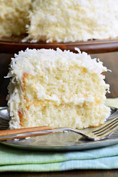 The delicious, brand-new white cake recipe is used to create this perfect coconut cake! The delicious, brand-new white cake recipe is used to create this perfect coconut cake! Food Cakes, Cupcake Cakes, Sweets Cake, Best Coconut Cake Recipe, Coconut Cake Easy, Coconut Cakes, Almond Coconut Cake, Coconut Desserts, Heavy Cake Recipe