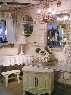 Shabby chic! Love this space