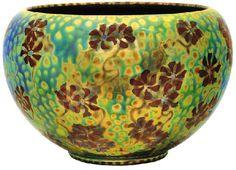 Zsolnay - Pipacsos virágtartó edény, Zsolnay, 1902 Fazonszám: 644, Magasság: 16,5 cm, Szájátmérő: 19 cm Jelzés domború körpecsét 2007/ká 800e