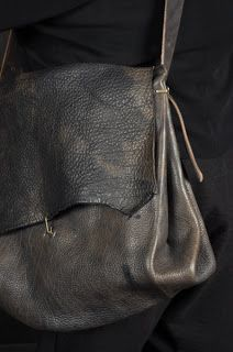 A+ leather satchel Big Bags, Leather Craft, Leather Bags, Leather Satchel, Mode Outfits, Beautiful Bags, Leather Working, Bag Accessories, Purses And Bags
