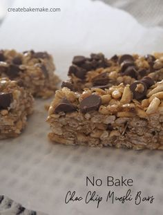No Bake Choc Chip Muesli Bars Recipe - perfect for lunch boxes. Both regular and Thermomix instructions included. No Bake Choc Chip Muesli Bars Recipe - perfect for lunch boxes. Both regular and Thermomix instructions included. Fun Easy Recipes, Healthy Dessert Recipes, Easy Snacks, Sweet Recipes, Snack Recipes, Thermomix Desserts, Amazing Recipes, Healthy Food, Healthy Deserts