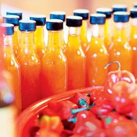Pineapple Pleasure - scharfe Soße Hot Sauce Recipes, Chili Sauce, Vegan Dishes, Ketchup, Hot Sauce Bottles, Spicy, Savoury Recipes, Food, Pineapple
