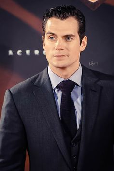 Cavill, your eyebrow is giving me that tingly feeling again...lol!!