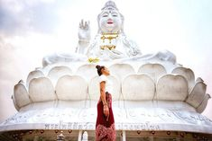 And I'm back on the temple treasure game in Thailand 🇹🇭 . This time up north in Chiang Rai, in May, so pollution masks at the ready. Seriously, the mask only came off for the pics. Does that mean I've been in Asia too long? Western Australia, Australia Travel, Treasure Games, Stone Town, Chiang Rai, Old Fort, Australia Photos, Camping Spots, Swimming Holes