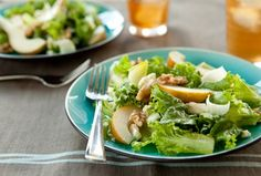 Endive, Pear and Walnut Salad recipe: Recipe from Whole Foods. I always love green salads with fruit, and this recipe definitely did not disappoint. Vegetable Salad, Vegetable Recipes, Vegetarian Recipes, Healthy Recipes, Pear Recipes, Watercress Salad, Whole Food Recipes, Cooking Recipes, Gourmet