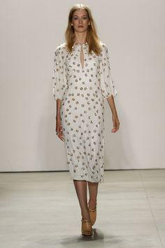 Dots - Jenny Packham 2016, New York Fashion Week Runway PhotosJenny Packham at New York Spring 2016