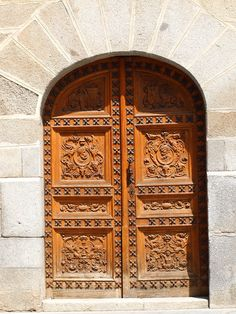 Entrance Door of an old Building near Plaza de la Villa in Madrid Spain. : masjid haram doors - pezcame.com